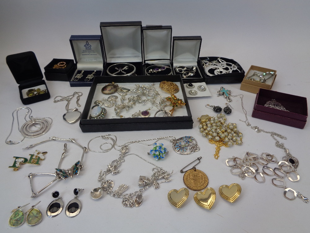 VINTAGE & MODERN HALLMARKED & STERLING SILVER JEWELLERY & NECKLACES with a mixed quantity of costume