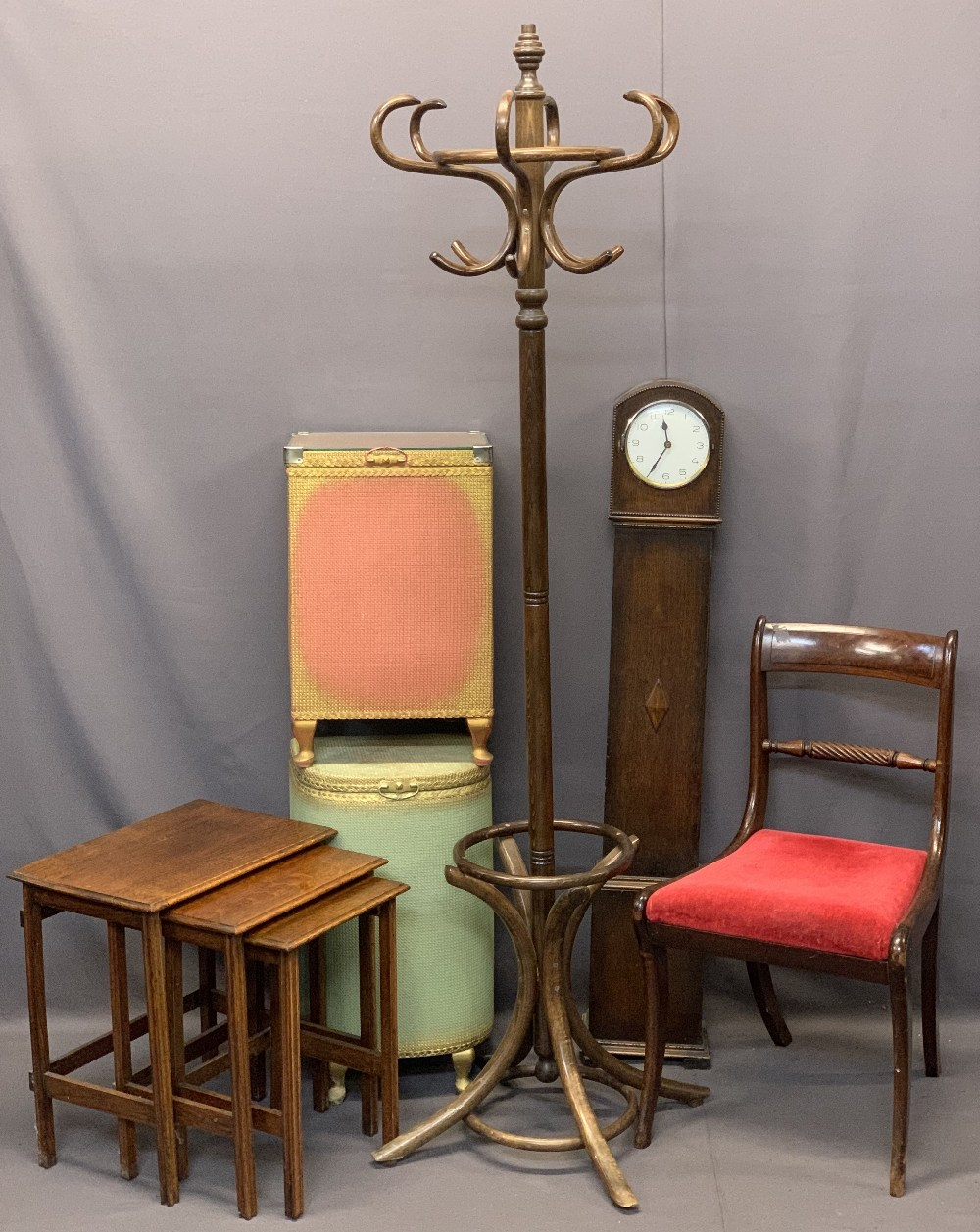 VINTAGE & LATER FURNITURE PARCEL, 6 ITEMS - a set of three oak occasional tables, two Lloyd Loom