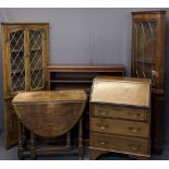 VINTAGE & LATER FURNITURE PARCEL, 5 ITEMS - an oak standing corner cupboard with leaded glass to the