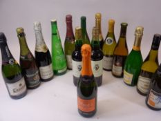 PARTY DRINKS, 15 BOTTLES - Bucks Fizz and other sparkling wines