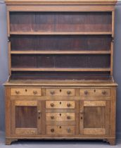 NORTH WALES ANGLESEY OAK DRESSER CIRCA 1850 - with shaped detail to the rack sides and wide back