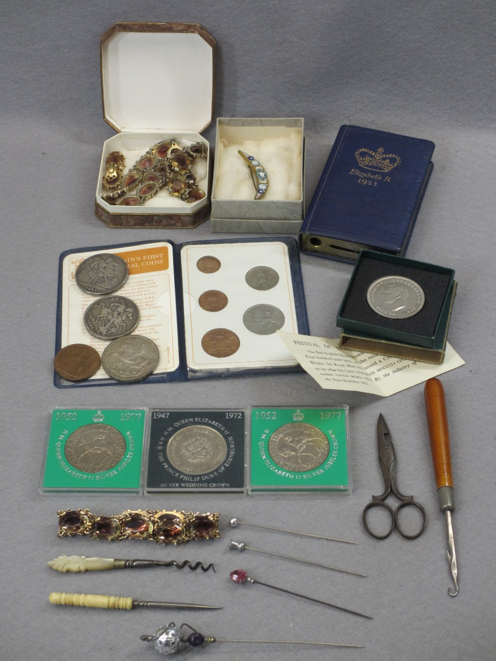 GEORGE IV 1821 & VICTORIA 1889 WITH OTHER COLLECTABLE CROWNS, Britain's first decimal coins
