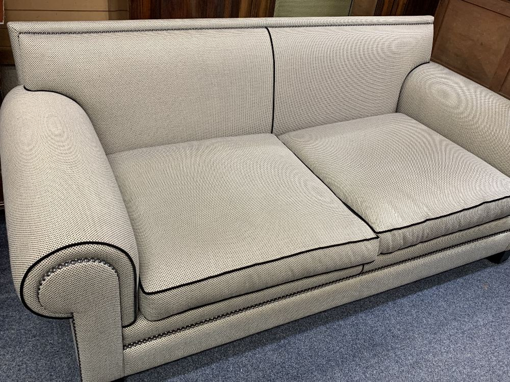 DURESTA ULTRA MODERN DESIGNER TYPE COUCH in black and grey with black piping and studded detail - Image 3 of 8