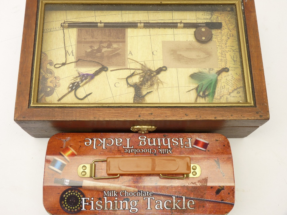 FISHING INTEREST - string keep net, empty milk chocolate fishing tackle tin and a lidded box with - Image 2 of 2