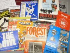 FOOTBALL INTEREST - Manchester United memorabilia including a 'Presented History from 1909' book,