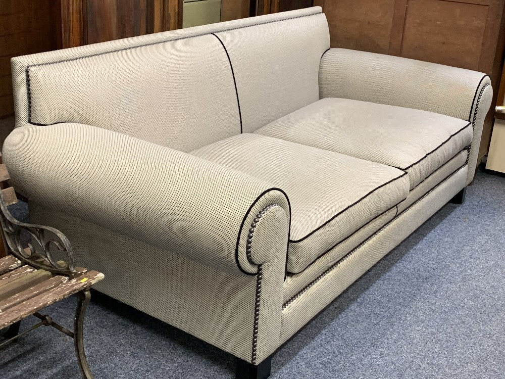 DURESTA ULTRA MODERN DESIGNER TYPE COUCH in black and grey with black piping and studded detail - Image 2 of 8