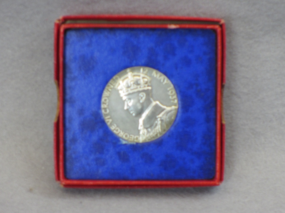 VINTAGE & LATER BRITISH/CONTINENTAL COINS & COMMEMORATIVES - two boxed 1937 George VI Coronation - Image 3 of 4
