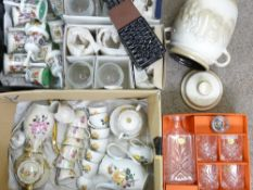 COLLECTABLE CHINA & GLASSWARE - a mixed quantity to include 'The Romance of Camelot' China cabinet