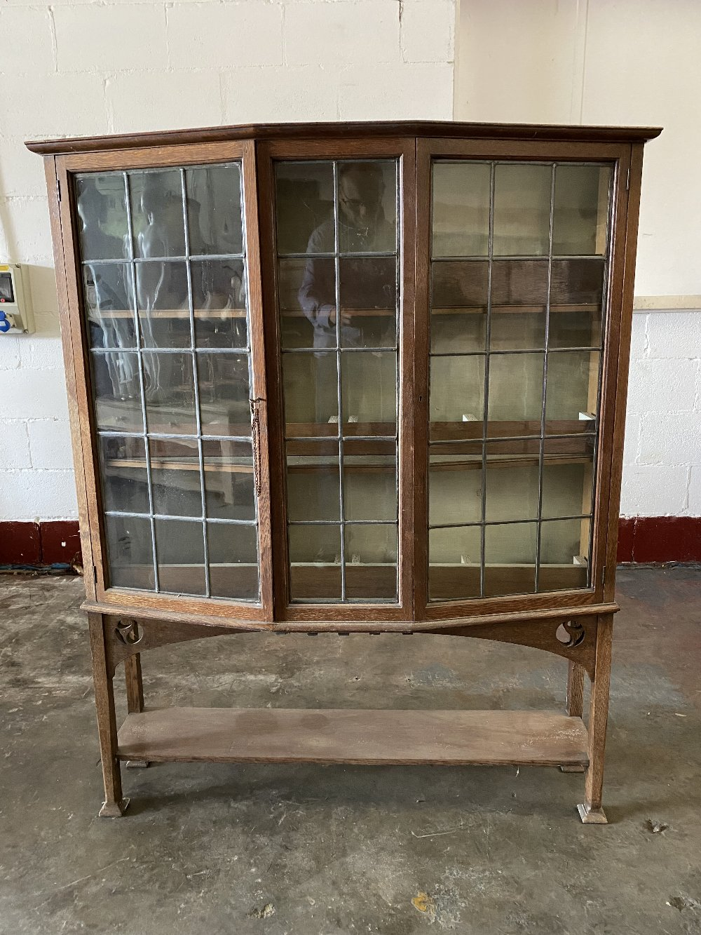 ARTS & CRAFTS STYLE BOOKCASE CUPBOARD with angular bow front and leaded glass doors, 147cms H, - Image 2 of 5