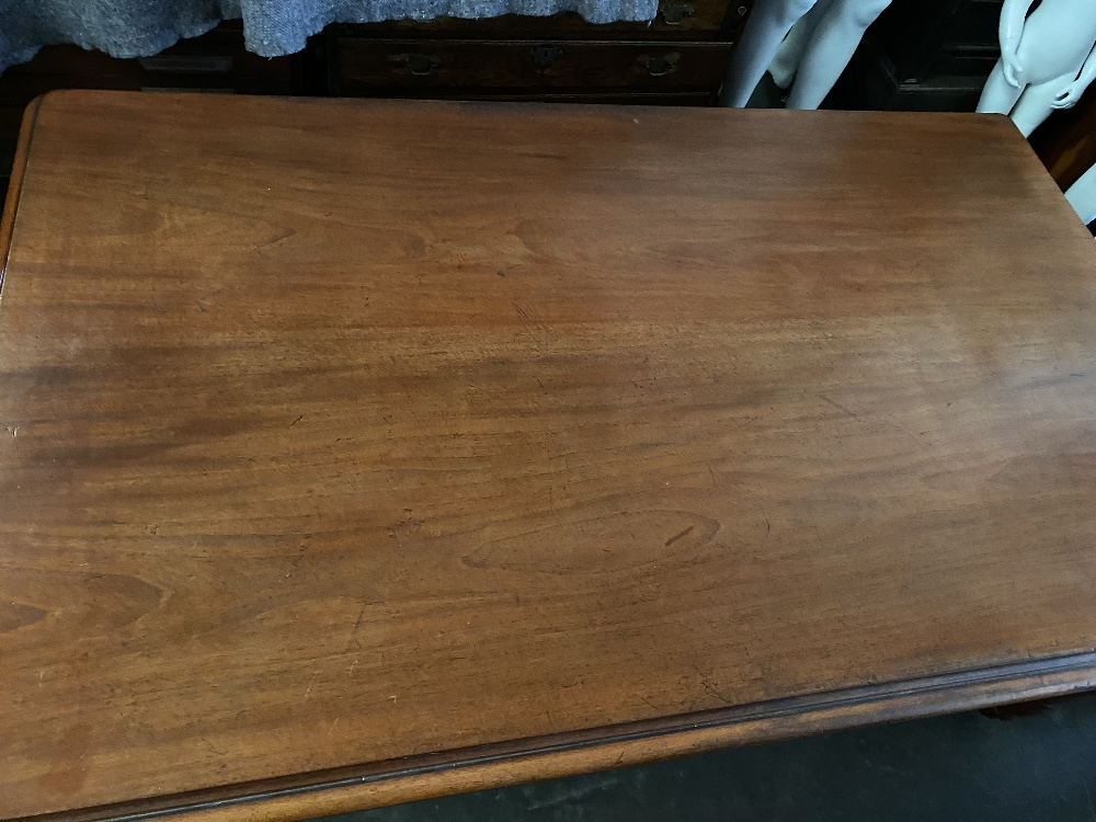 VICTORIAN DINING TABLE - oblong topped with turned corner supports on castors, 180 x 110cms - Image 5 of 5
