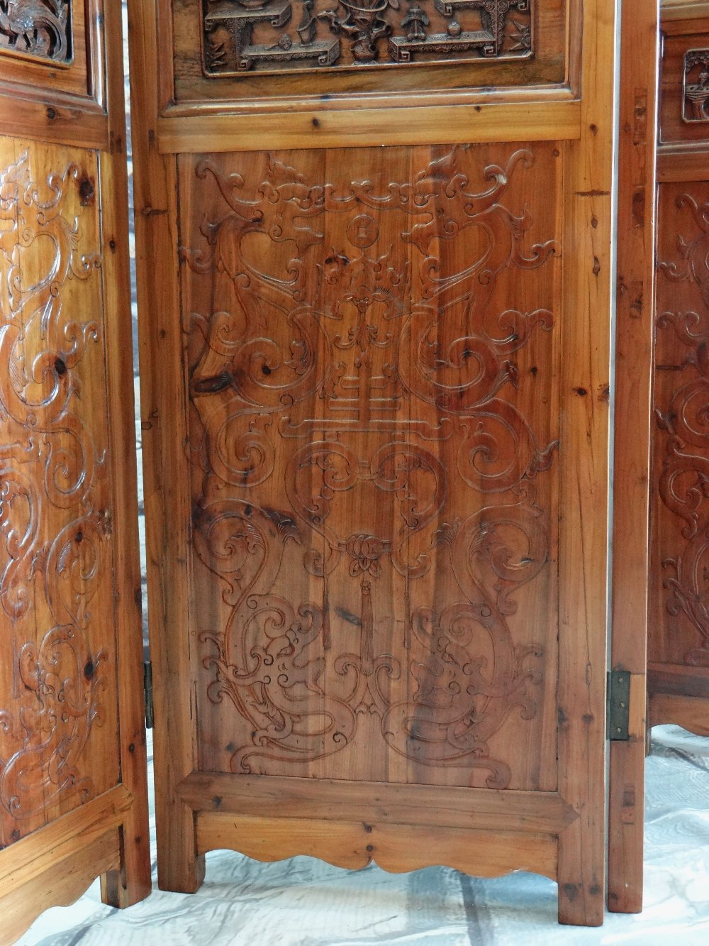 LARGE CHINESE ELM SIX-LEAF SCREEN, reticulated top and centre panels decorated with bats, cash and - Image 2 of 12