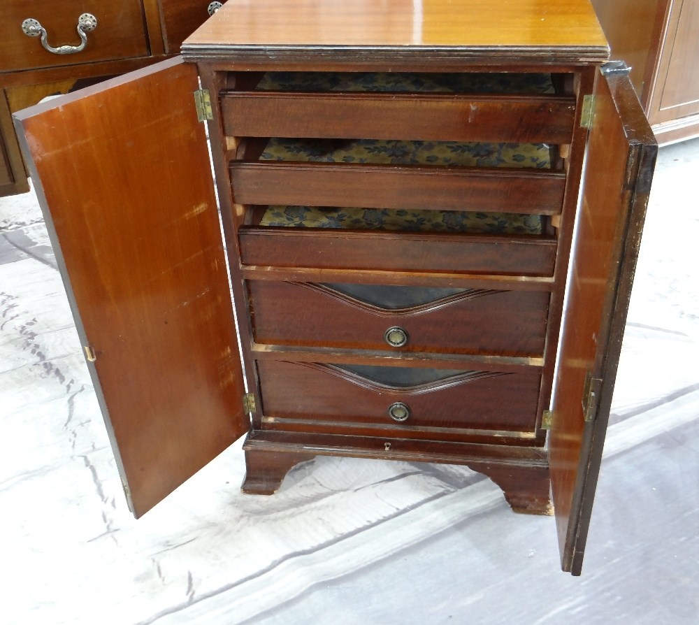 ASSORTED OCCASIONAL FURNITURE, comprising dressing table with four drawers (mirror back missing), - Image 4 of 6