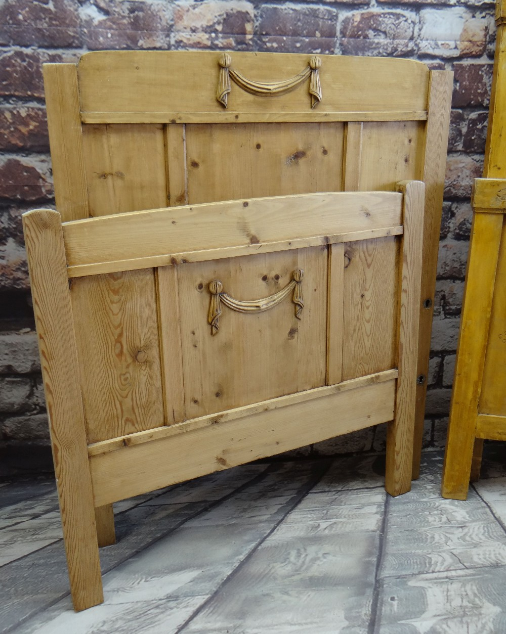 TWO MODERN PINE SINGLE HEAD BOARDS & FOOT BOARDS, 97cms wide (4) Condition Report: no rails or - Image 3 of 3