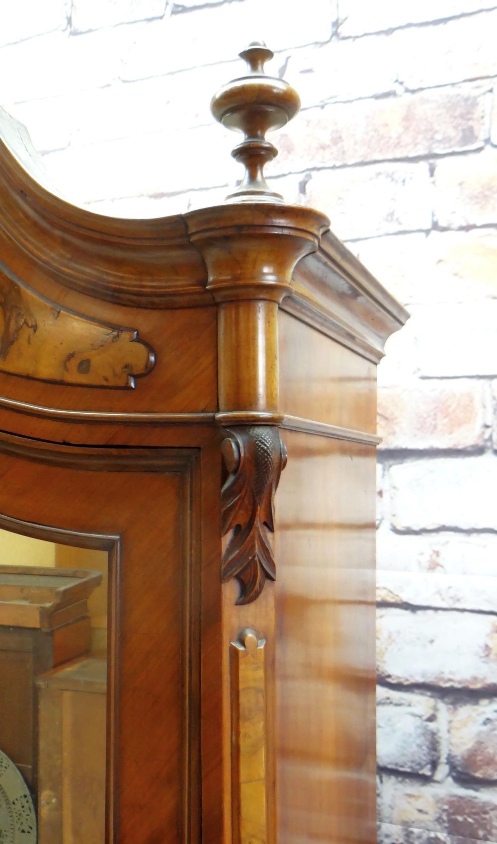 STYLISH FRENCH WALNUT & BURR WALNUT ARMOIRE, arched cornice with turned finials, mirror-glazed - Image 3 of 7