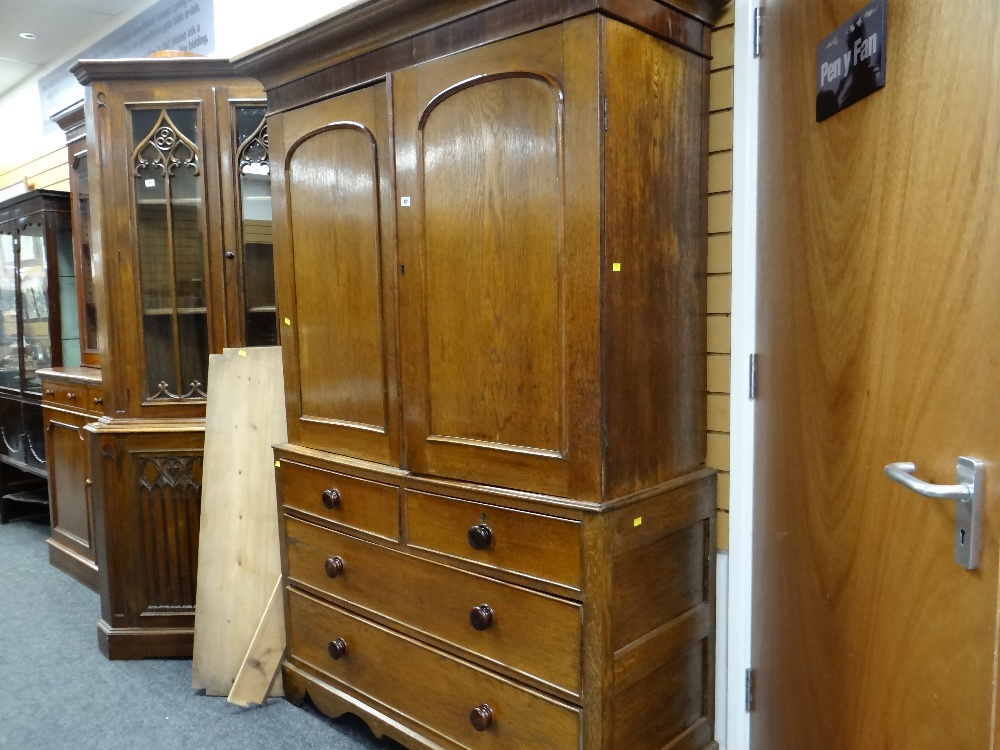 VICTORIAN OAK & MAHOGANY LINEN PRESS, ogee cornice and plain frieze above arched panelled doors, - Image 8 of 13
