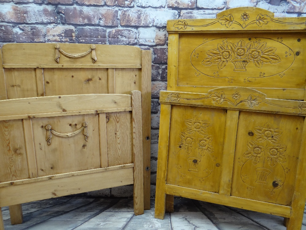 TWO MODERN PINE SINGLE HEAD BOARDS & FOOT BOARDS, 97cms wide (4) Condition Report: no rails or