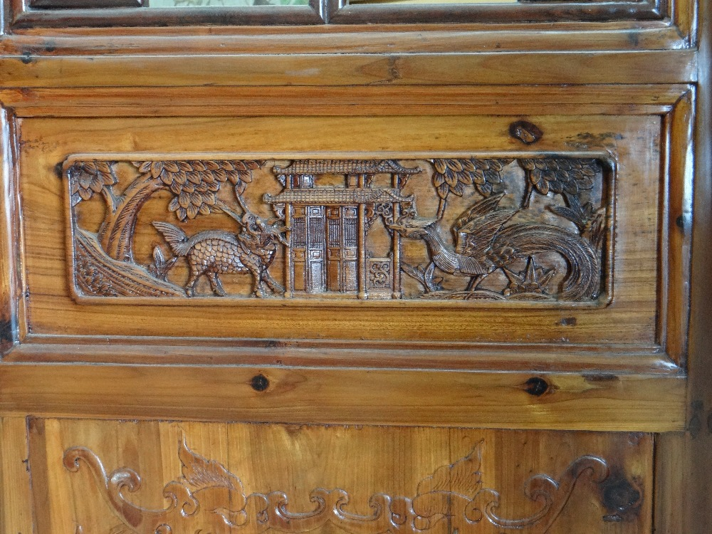 LARGE CHINESE ELM SIX-LEAF SCREEN, reticulated top and centre panels decorated with bats, cash and - Image 5 of 12