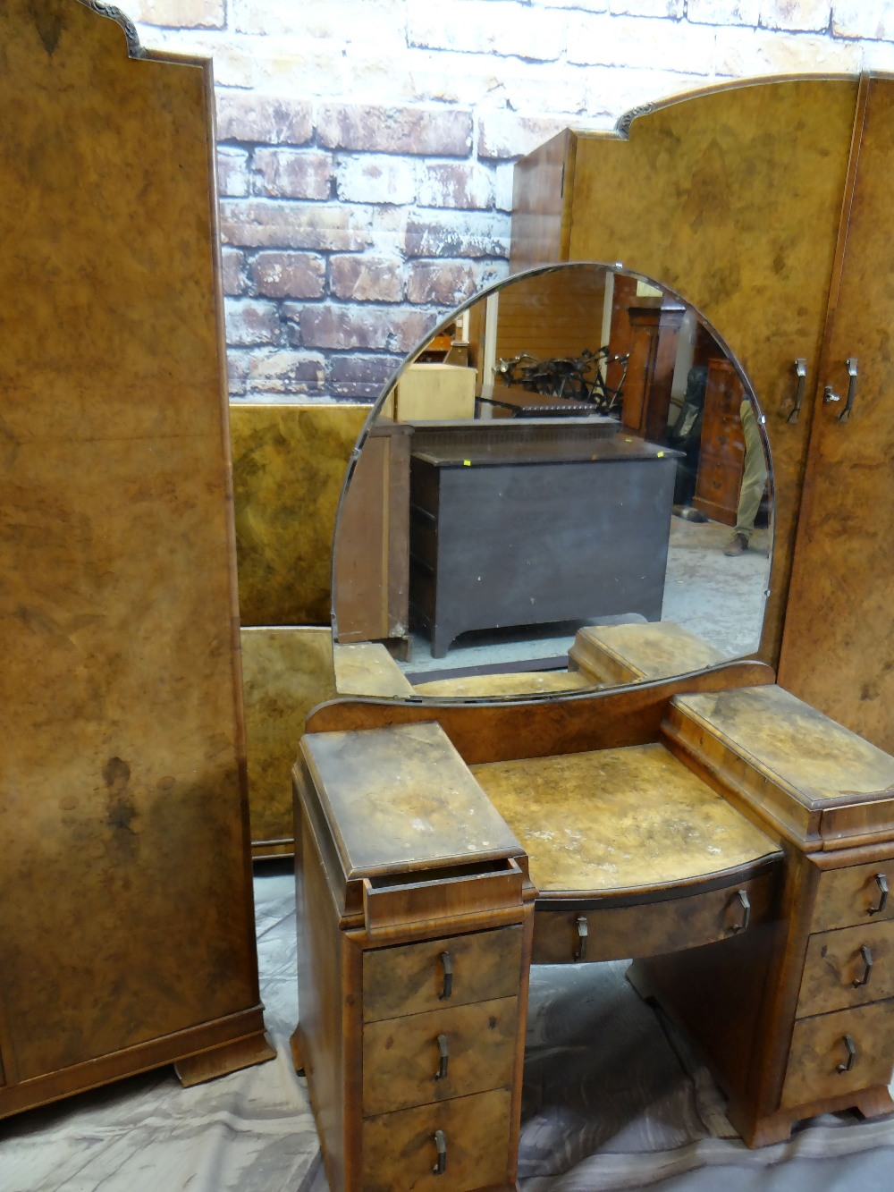 1930s BURR WALNUT BEDROOM SUITE, including pair of wardrobes, dressing table and single bed (4)