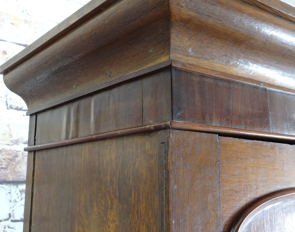 VICTORIAN OAK & MAHOGANY LINEN PRESS, ogee cornice and plain frieze above arched panelled doors, - Image 2 of 13