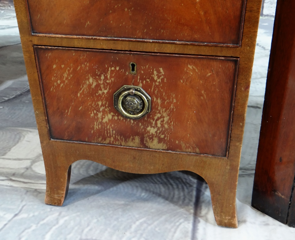 19TH CENTURY MAHOGANY STANDING CORNER CABINET with angled cornice and astragal glazed doors, blue - Image 3 of 7