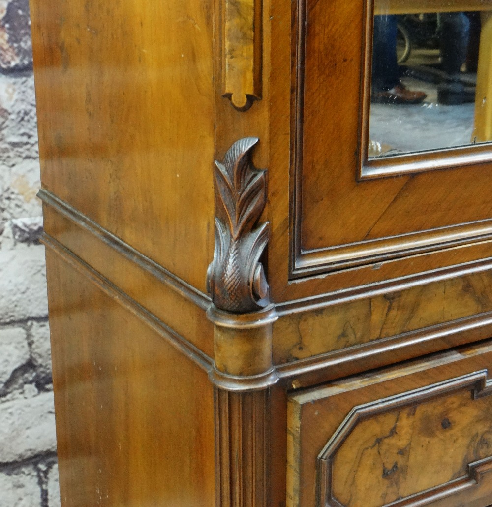 STYLISH FRENCH WALNUT & BURR WALNUT ARMOIRE, arched cornice with turned finials, mirror-glazed - Image 5 of 7
