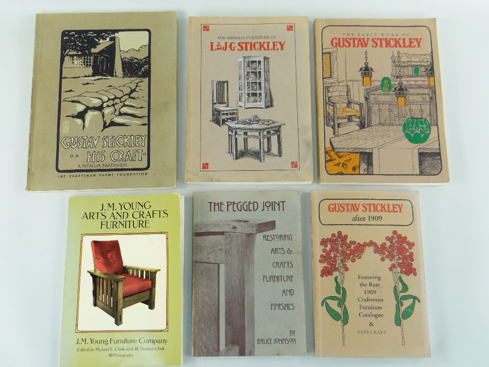 ASSORTED AMERICAN ARTS & CRAFTS REFERENCE BOOKS including volumes relating to Gustav Stickley, L & J - Image 3 of 3