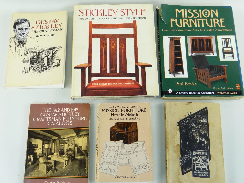 ASSORTED AMERICAN ARTS & CRAFTS REFERENCE BOOKS including volumes relating to Gustav Stickley, L & J - Image 2 of 3