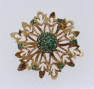 YELLOW METAL EMERALD OPENWORK BAR BROOCH, 5.1gms Condition Report: appears in good overall