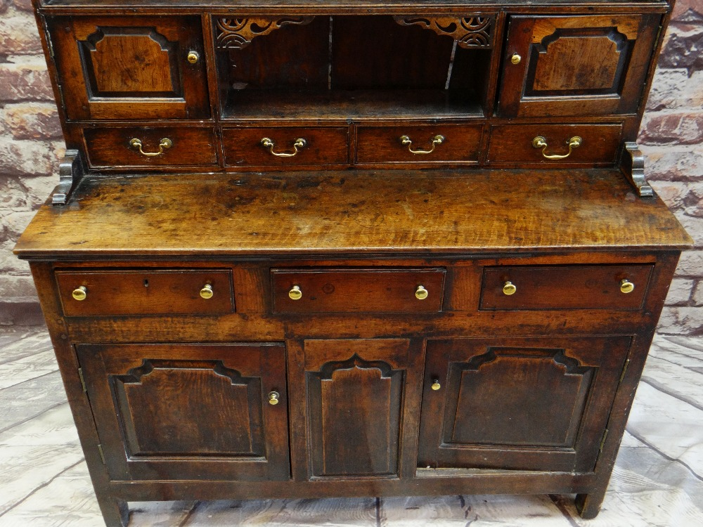 A SMALL CHARACTERFUL OAK NORTH WALES CUPBOARD-BASE WELSH DRESSER circa 1770-1800 having a base of - Image 5 of 26