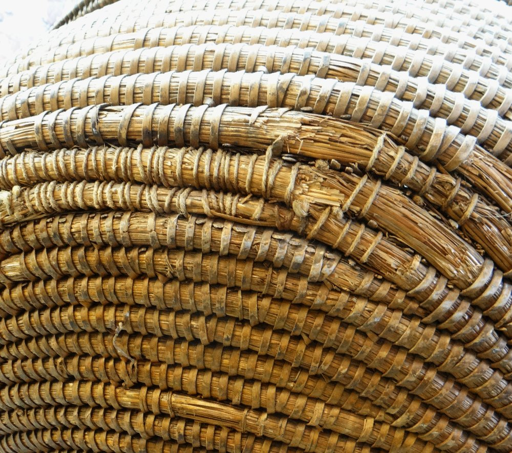 A RARE 19TH CENTURY MONMOUTHSHIRE LIPWORK BEEHIVE ARMCHAIR of wicker composition, wooden structure - Image 4 of 6