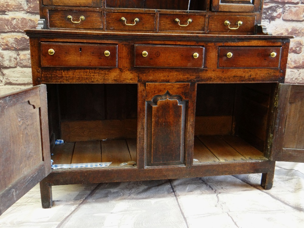 A SMALL CHARACTERFUL OAK NORTH WALES CUPBOARD-BASE WELSH DRESSER circa 1770-1800 having a base of - Image 6 of 26