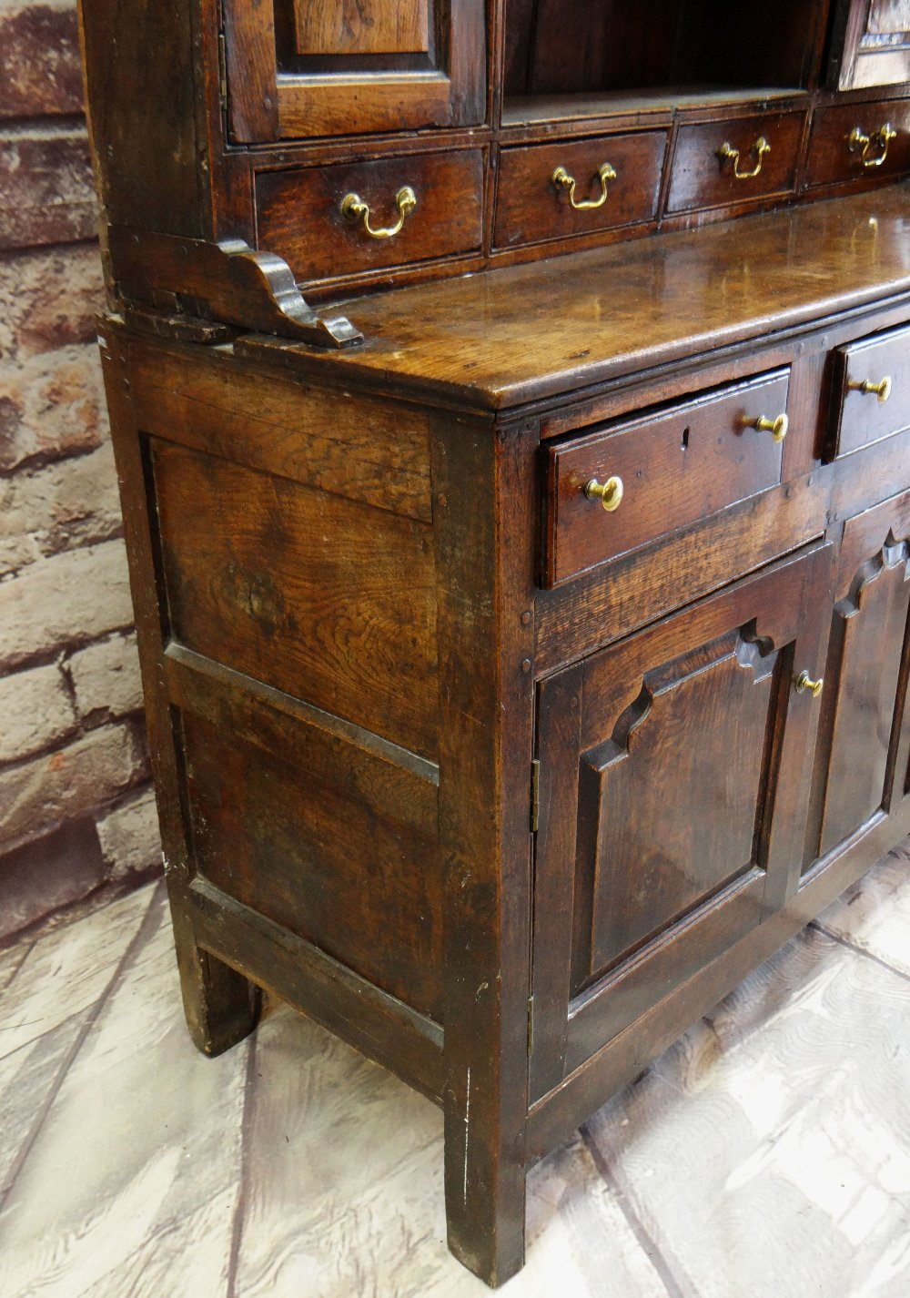 A SMALL CHARACTERFUL OAK NORTH WALES CUPBOARD-BASE WELSH DRESSER circa 1770-1800 having a base of - Image 8 of 26