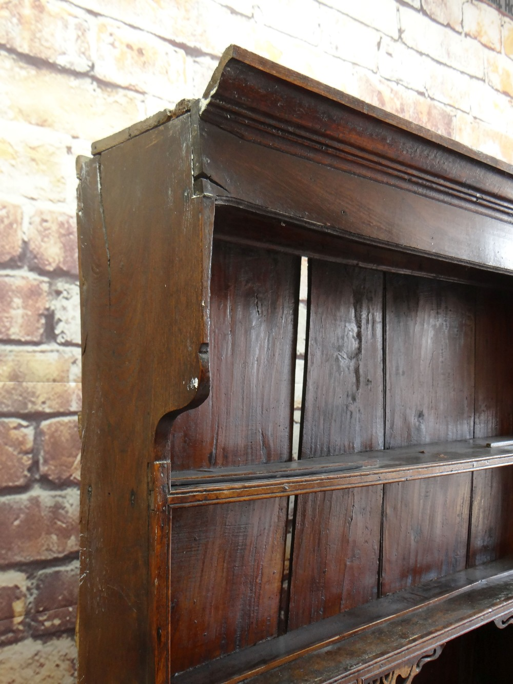 A SMALL CHARACTERFUL OAK NORTH WALES CUPBOARD-BASE WELSH DRESSER circa 1770-1800 having a base of - Image 7 of 26