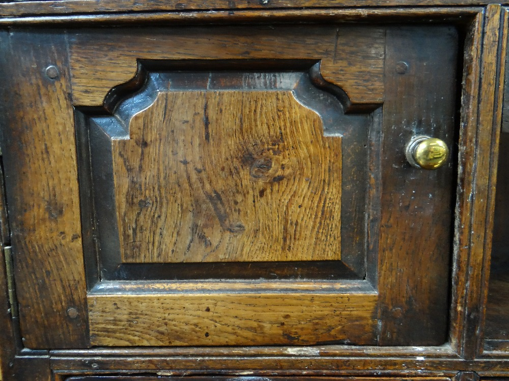 A SMALL CHARACTERFUL OAK NORTH WALES CUPBOARD-BASE WELSH DRESSER circa 1770-1800 having a base of - Image 18 of 26