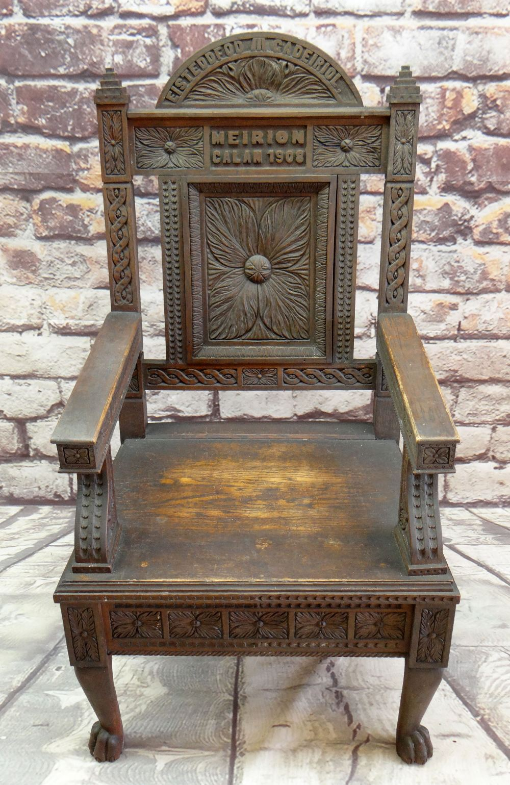A 1908 EISTEDDFOD BARDIC CHAIR AWARDED TO REVEREND WILLIAM ALFA RICHARDS (1875-1931) in carved - Image 3 of 6