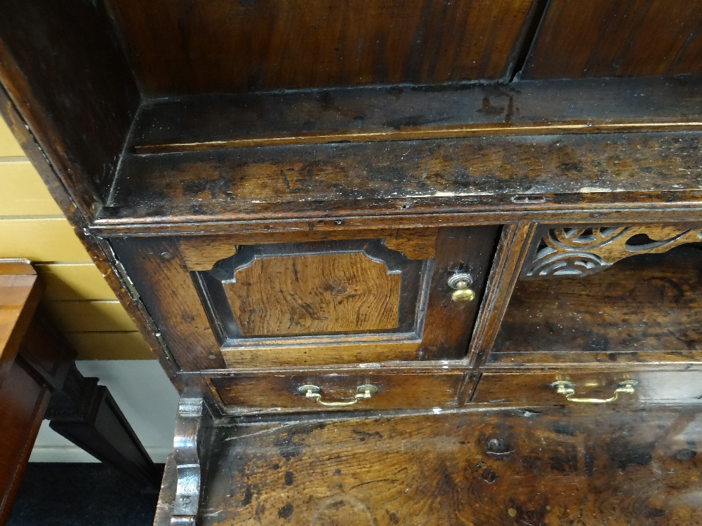 A SMALL CHARACTERFUL OAK NORTH WALES CUPBOARD-BASE WELSH DRESSER circa 1770-1800 having a base of - Image 10 of 26