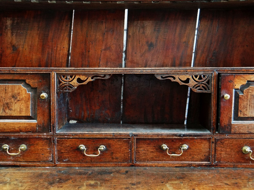 A SMALL CHARACTERFUL OAK NORTH WALES CUPBOARD-BASE WELSH DRESSER circa 1770-1800 having a base of - Image 4 of 26