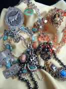 ASSORTED SILVER & COSTUME JEWELLERY, including Mexican Aztec-style pendant, Chinese jadeite dog of
