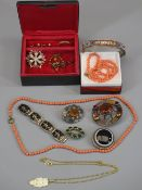 VICTORIAN & LATER JEWELLERY, 14 PIECES to include two Scottish Cairngorm type set brooches, two