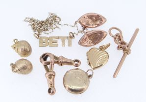 ASSORTED 9CT GOLD JEWELLERY comprising T-bar and two watch loops, cufflink, pair of shell