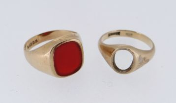 TWO 9CT GOLD RINGS comprising carnelian ring and another lacking stone, 7.6gms (2)