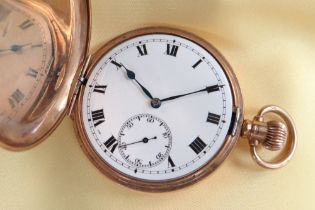 GEORGE V 9CT GOLD HUNTER SIDE WIND POCKET WATCH, the white enamel dial having subsidiary seconds