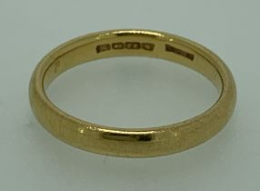 22CT GOLD WEDDING BAND, size O, 4.5grms