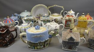 SADLER WILLIAM SHAKESPEARE NOVELTY TEAPOTS - Romeo and Juliet and Mid Summer Nights Dream. Also,