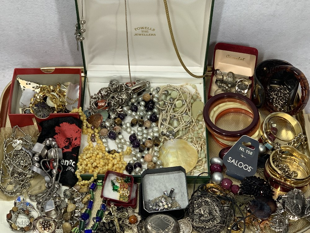 COSTUME JEWELLERY, VINTAGE & LATER - a mixed quantity of bangles, bracelets, rings, brooches,