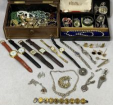 VINTAGE JEWELLERY CASE & CONTENTS to include a silver and tortoise shell brooch with Royal