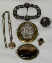 VICTORIAN & LATER JEWELLERY, 6 ITEMS - a Moss agate oval set in a pinchbeck frame, 6cms across,