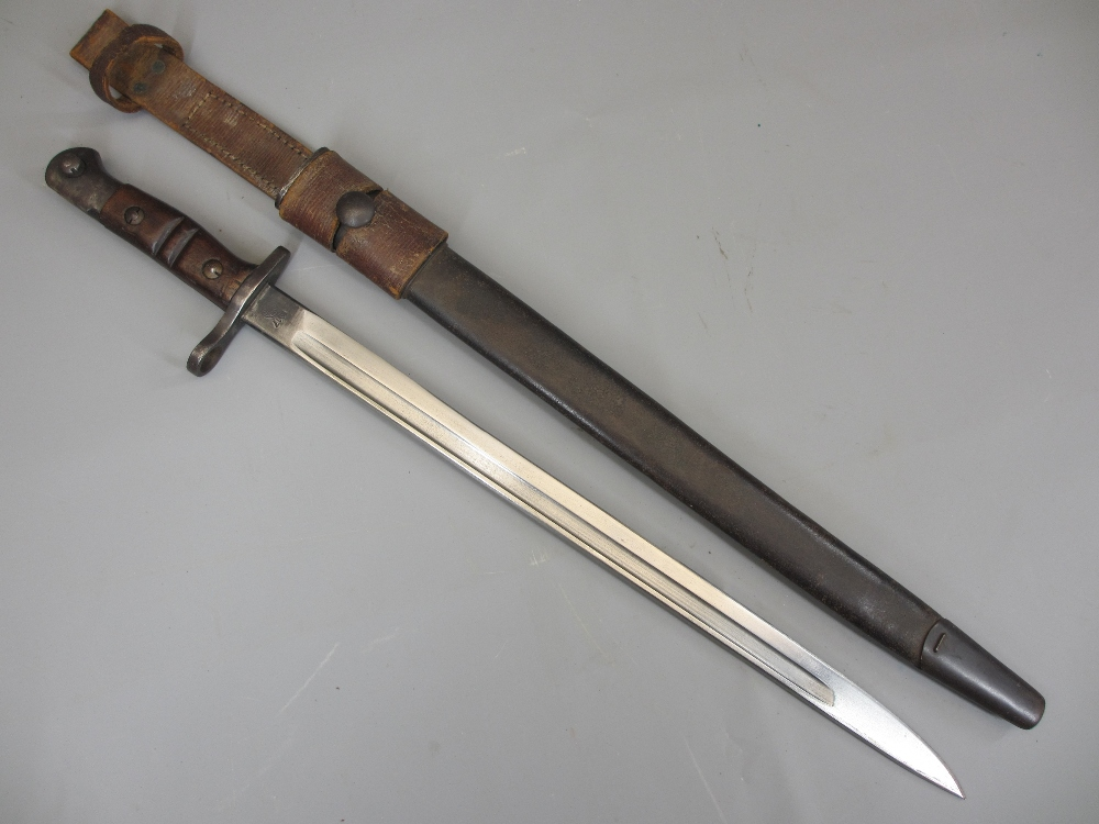 AMERICAN REMINGTON 1917 BAYONET & SCABBARD, 17in fullered blade stamped 'US' with eagle's head and