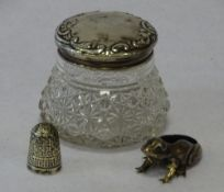 SILVER - SMALL, 3 ITEMS to include a silver topped glass trinket jar, Chester 1901, silver thimble