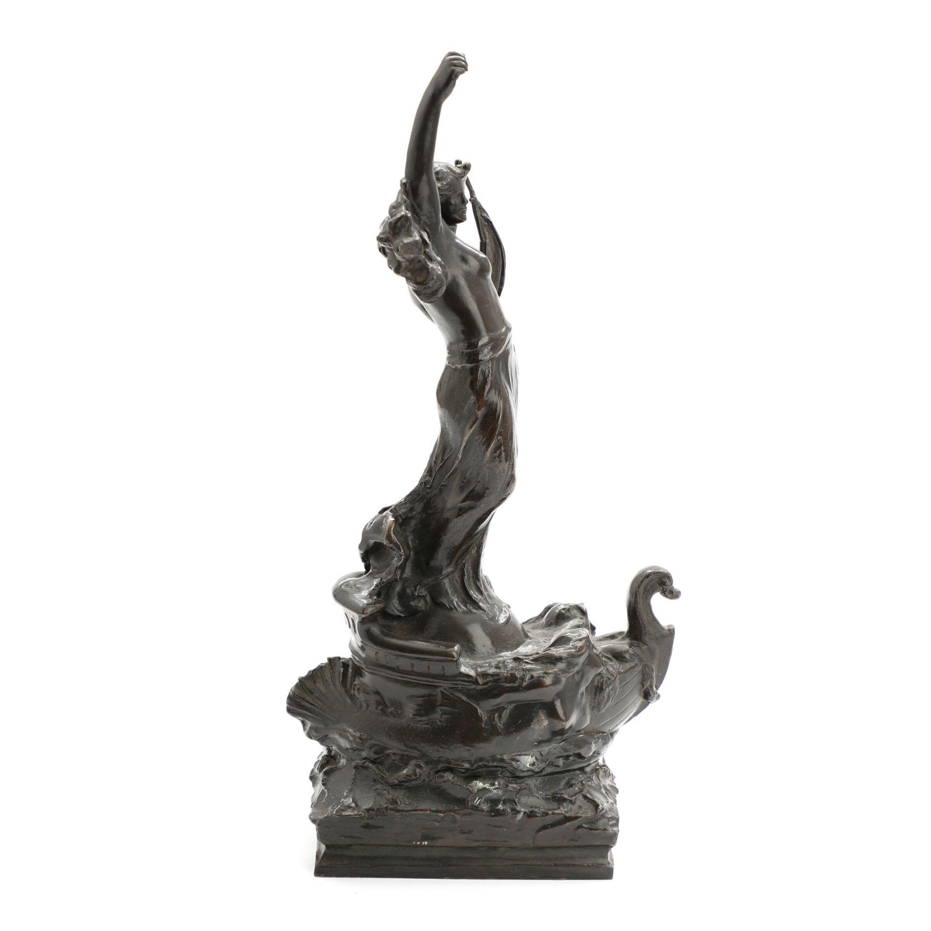 Unbek. Bildhauer. Darstellung einer Schutzpatronin der Seefahrer, evtl. Amanda. Patinierte Bronze. - Bild 2 aus 4